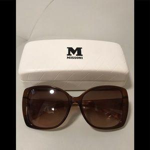 🎀 Authentic Missoni Sunglasses- Like New 😎